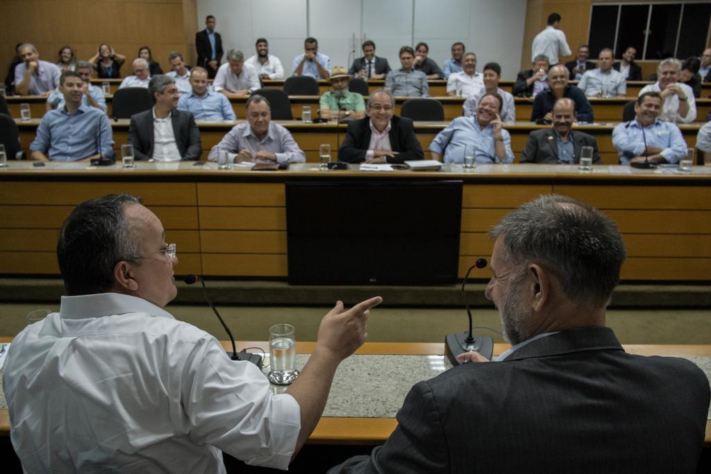 Reforma tributária e leis setoriais serão aprovadas este ano, garante Taques