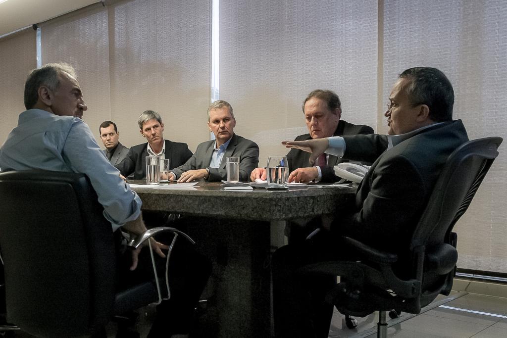Governador debate ações para evitar crise em presídios de Mato Gross