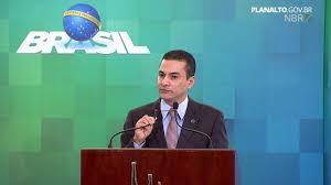 Medidas protecionistas de Trump são oportunidade para o Brasil, diz ministro