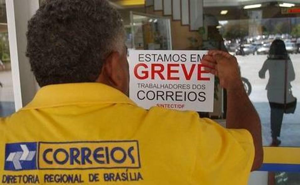Trabalhadores dos Correios entram em greve por tempo indeterminado