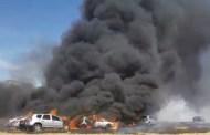 Incêndio destrói 19 carros durante festa de música eletrônica. Veja Vídeo