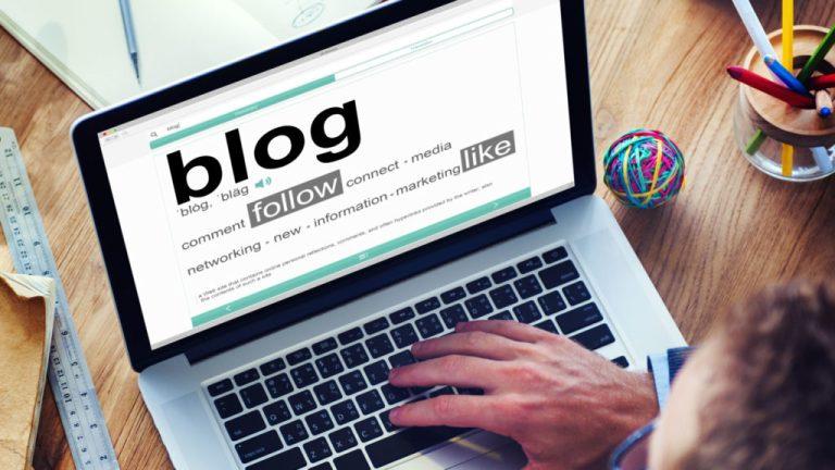 blogging-laptop