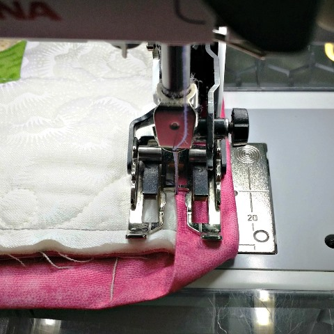 How to attach binding to your quilt by machine