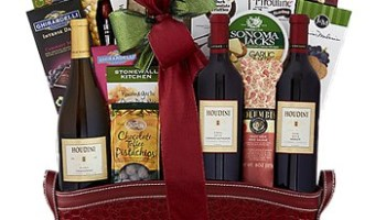 Easy Wine and Champagne Gift Baskets For Everyone On Your List! #GiftBaskets