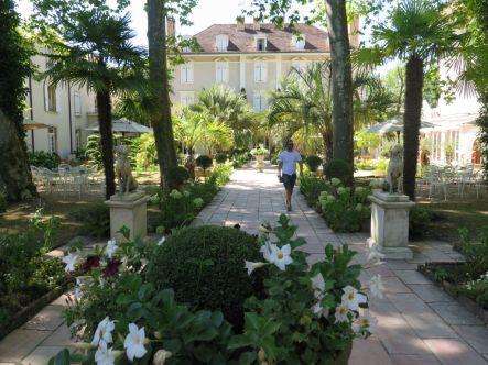 Les-Prés-d'Eugénie-Bravo-Tango-Hotel (2)