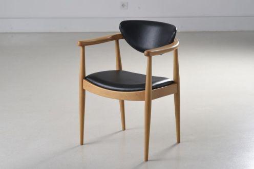 stolica Bernardo, dizajn Bernardo Bernardi, Era, cijena od 2.200 kn
