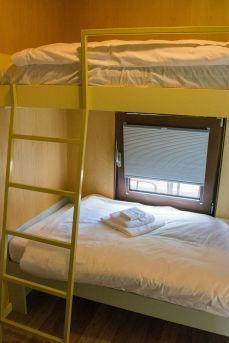 BIG-BERRY-interior-bed