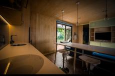 BIG-BERRY-interior-kitchen-table