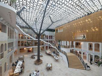 Office - Benthem Crouwel Architects - Headquarter Goede Doelen Loterijen, Amsterdam, Netherlands / hunterdouglasarchitectural.eu