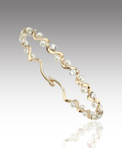 Pearl and Diamond Ruffle Bangle