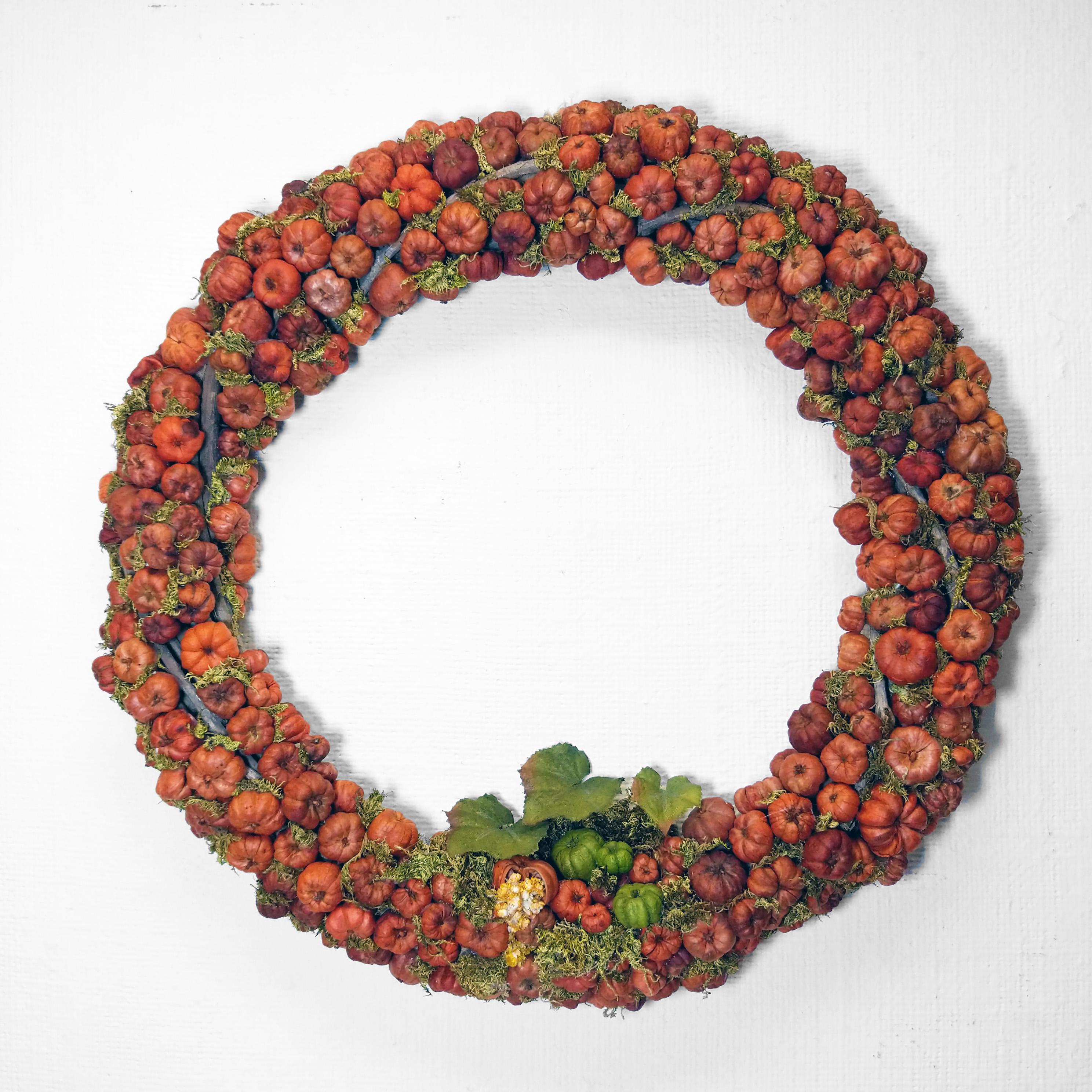 handmade wreath pumpkin putka pod