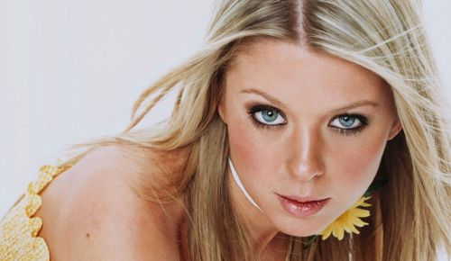 Tara Reid Hospitalized For Acute Pancreatitis: Reports