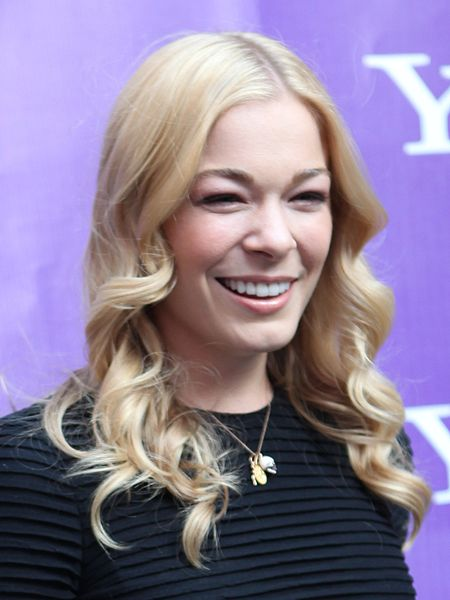 Leann Rimes Enters 30-day Rehab Program To Treat Anxiety And Stress