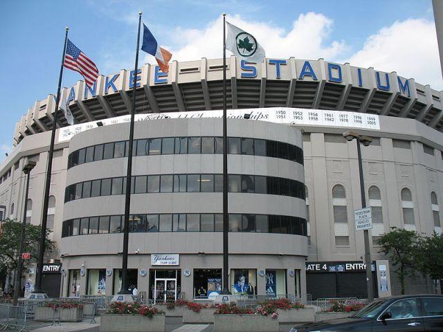 Yankees Sued by Stadium Waiters For Stealing Tips Kjetil Ree