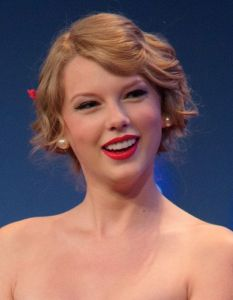 Taylor Swift And Ed Sheeran dating? Does He Know She's Trouble?