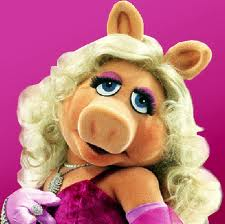 "rubrique ""people""... Slade-Smiley-compares-Vicki-Gunvalson-to-Miss-Piggy"