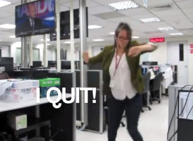 Woman quits job like a boss (VIDEO)
