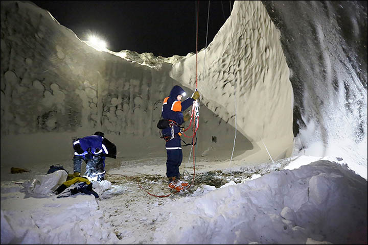 The latest expedition to Yamal crater was initiated by the Russian Centre of Arctic Exploration in early November 2014. The researchers were first in the world who went down the crater of gas emission. Pictures: Vladimir Pushkarev/Russian Centre of Arctic Exploration