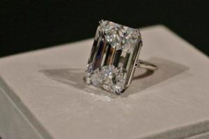 "A 100-carat emerald-cut diamond is on display at Sotheby's, Friday, April 17, 2015, in New York. The ""perfect"" 100-carat diamond in a classic emerald cut is going on the auction block, where it could fetch between $19 million to $25 million. Sotheby's will offer the white diamond on April 21, in New York. (AP Photo/Mary Altaffer)"