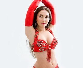 Egypt Belly Dancer gets 6 months in jail for wearing Egyptian flag costume