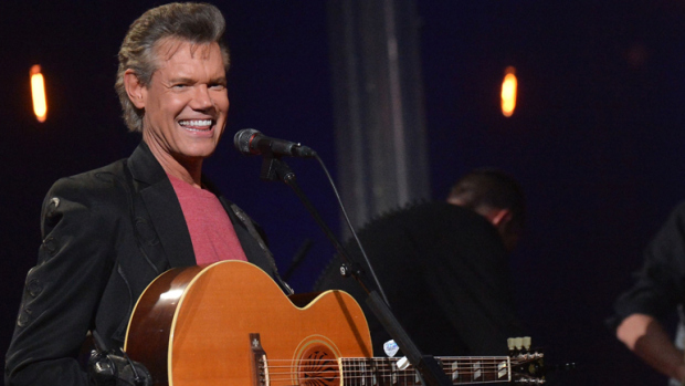 Randy Travis Make Rare Appearance:  Receives Huge Applause