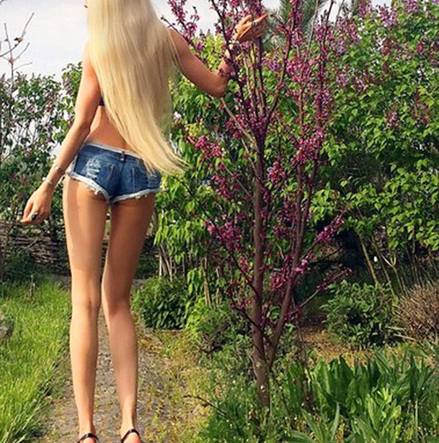 'Human Barbie' Says Nickname Is Degrading (PHOTO)
