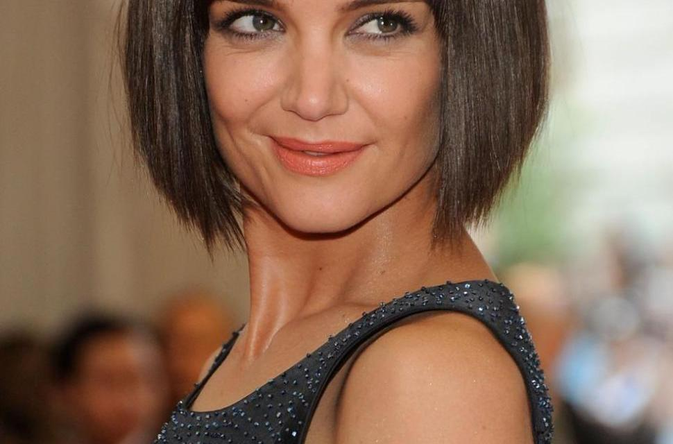 Katie Holmes denim dress, Flashes Her Butt In Wardrobe Malfunction