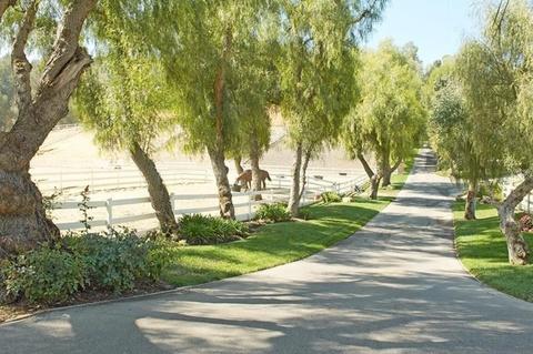 miley cyrus 5 million ranch estate