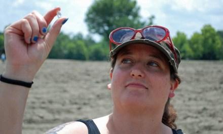 Bobbie Oskarson: Colorado Woman Finds Diamond in Crater of Diamonds Park (PHOTO)