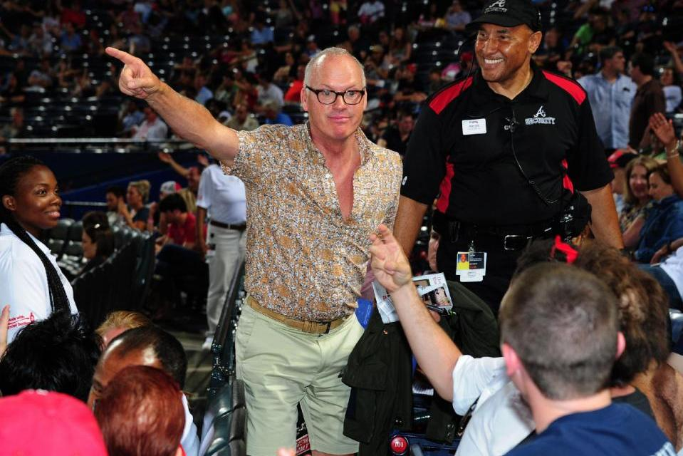 Michael Keaton, heckler Go Head-To-Head At Pirates Game (PHOTO)