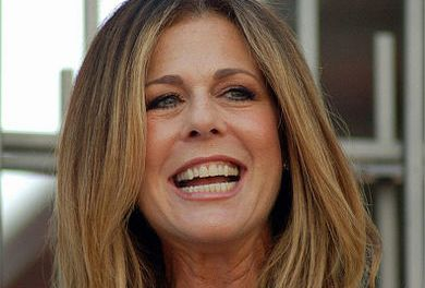 Rita Wilson Stuns On Red Carpet Following  Double Mastectomy (PHOTO)