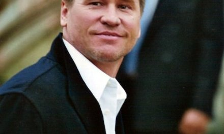 Val kilmer LookIng Frail In Latest Photo, Fans Speculate Cancer (PHOTO)