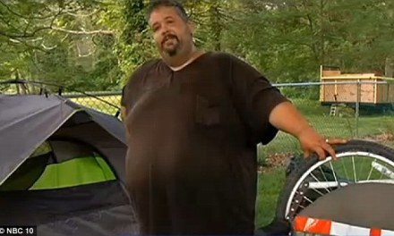 Eric Hitesriding:  600 LB Man To Bike Across US