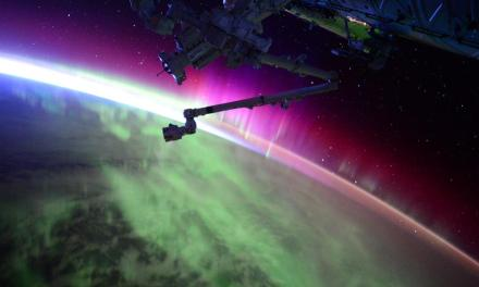 Scott Kelly Posts Amazing Northern Lights phot