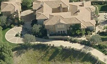 Selena Gomez mansion Now up for sale:  Price Tag $4.5M (PHOTO)