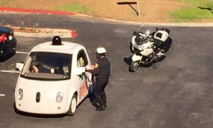Self-driving car pulled over, Pic Goes Viral
