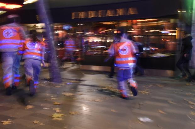 paris-shooting-street-scene-nov-13-2015