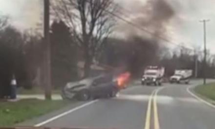 Driver From Burning Car Rescued by Volunteer Fire Chief (PHOTO)