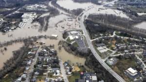 Illinois levee breaks