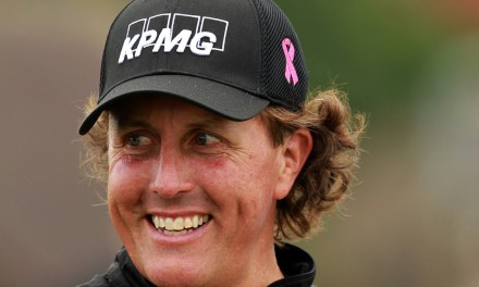 Phil Mickelson reprimands teen for talking about money match