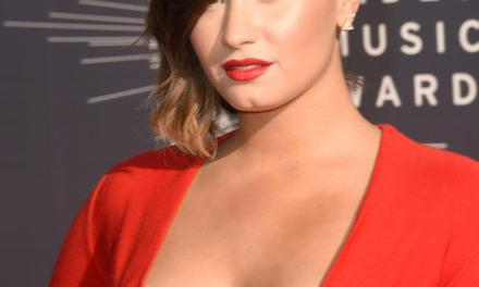 Demi Lovato No-Makeup Gym Selfie Goes Viral (PHOTO)