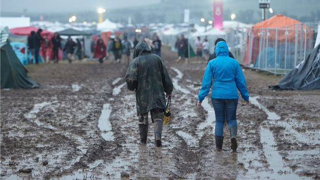 Lightning hurts dozens at festival in Germany