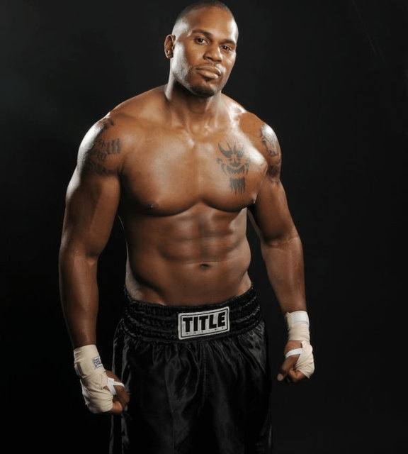 Former WWE Superstar Stops Florida Armed Robbery