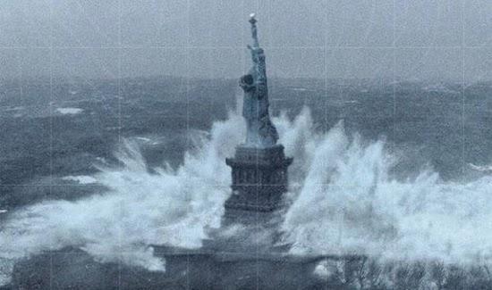 Hurricane-Sandy-Statue-Of-Liberty