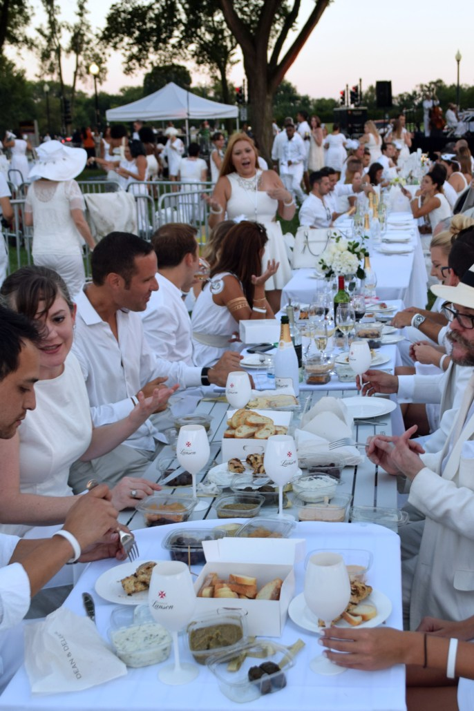 The All-White Affair: All White at Diner en Blanc 10
