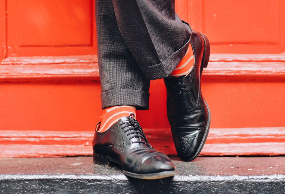 shoes to wear with gray suit - black lace ups
