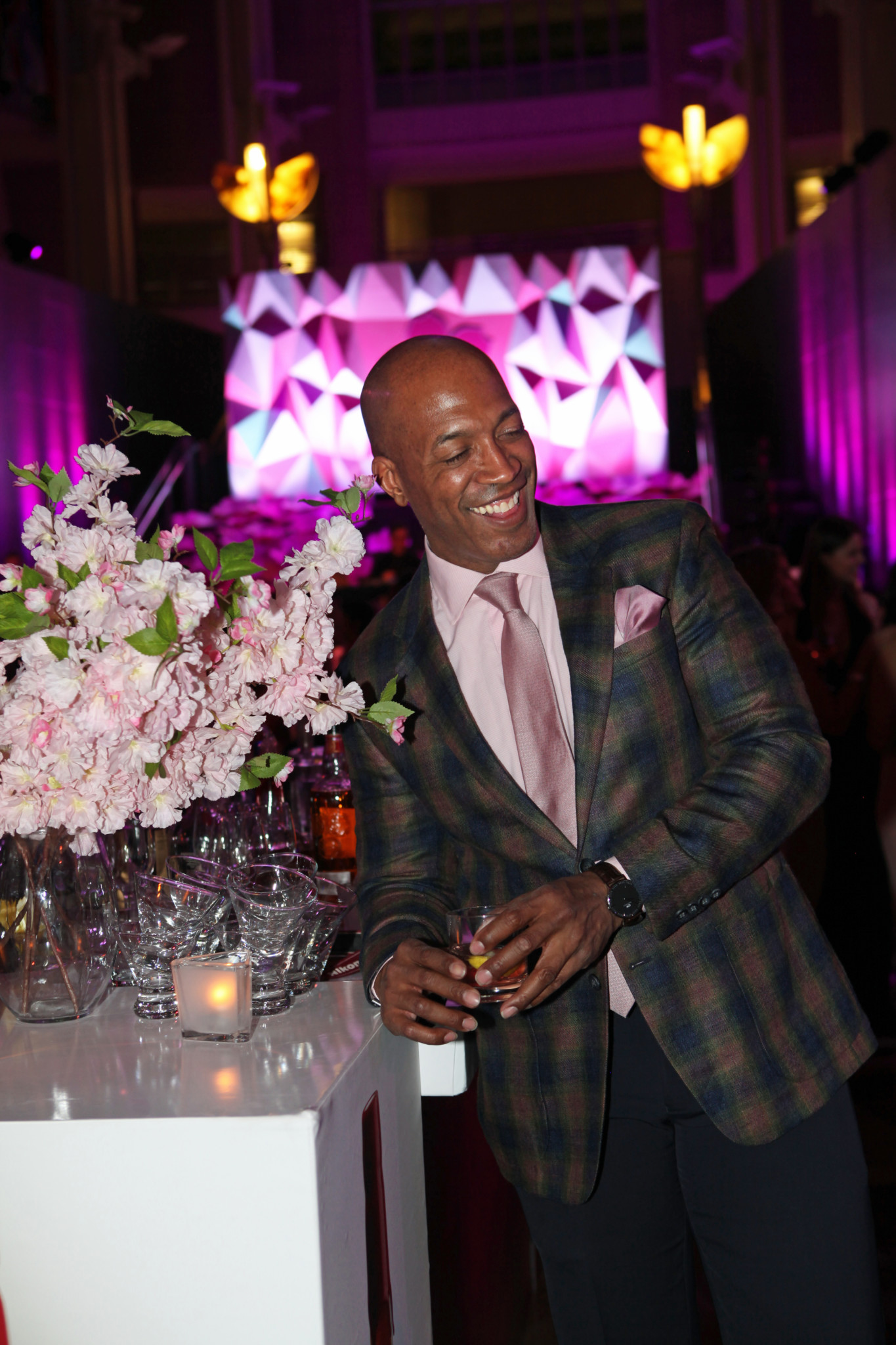 DCFashion Fool smiles at Cherry Blossom Pnk Tie Party
