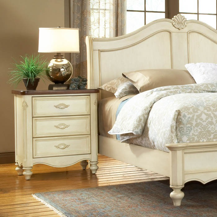 chateau french country sleigh bedroom set | dcg stores