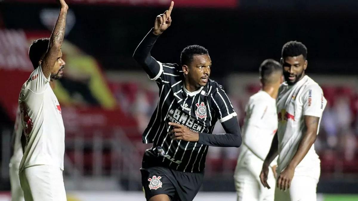 Jô comemora gol que classificou o Corinthians para as semifinais do Paulistão 2020