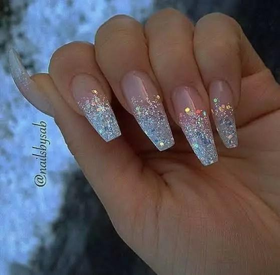 Unhas transparentes e com glitter em gel unhas decoradas 2020